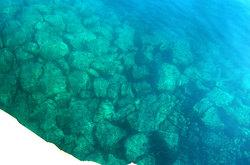 岩地漁港の海底